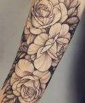 bambi_tattoo-on-move_tattoo_tatouage_tattooart_tattooartist_rosestattoo_roses_dotwork_blacktatto_flower_fleur_lowertattoo