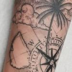 bambi_tattoo-on-move_tattoo_tatouage_voyage_travel_cloud_nuage_palmier_map_sun_soleil_rose-des-vents_compass